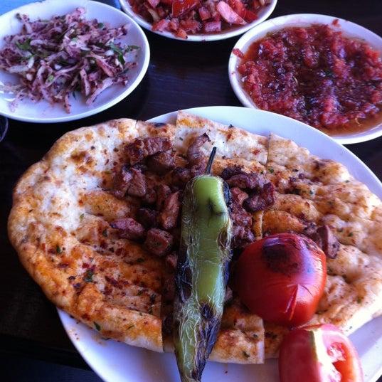 4/23/2012 tarihinde Bülent Ç.ziyaretçi tarafından Adanalı Yusuf Usta'de çekilen fotoğraf