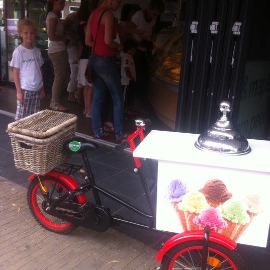 Photo taken at Luciano's ijssalon by Natasja J. on 8/20/2012