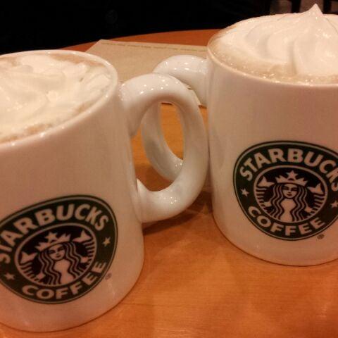 Photo taken at Starbucks Coffee ひたち野うしく店 by さとぽん on 10/27/2011