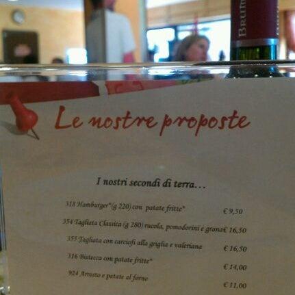 Photo taken at Pastarito Pizzarito by Simone P. on 10/11/2011