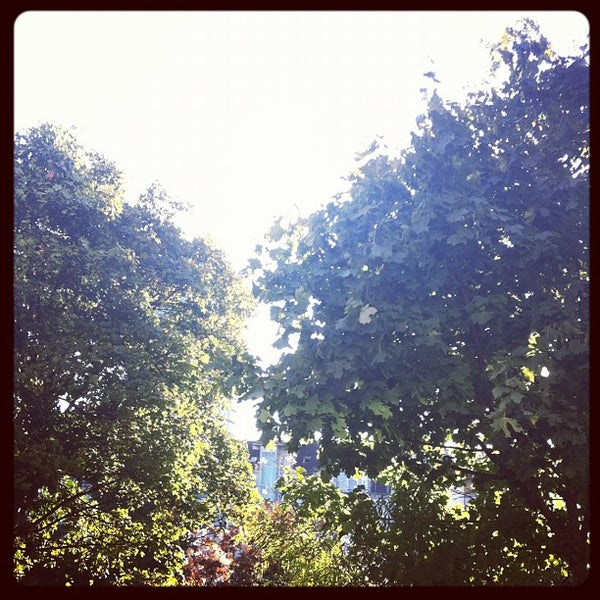 Das Foto wurde bei Hotel MinGarden von Dan L. am 9/9/2012 aufgenommen