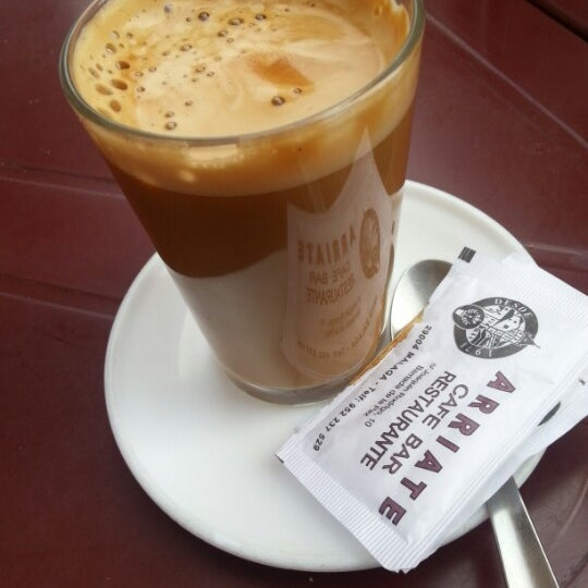 Foto tomada en Café Bar Arriate por 🃏 JᎾᏒᎶЄᎠIHЄ el 6/24/2012