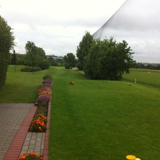Das Foto wurde bei Golf-Club Golf Range Frankfurt Bernd Hess e.K. von S. G. am 7/13/2012 aufgenommen