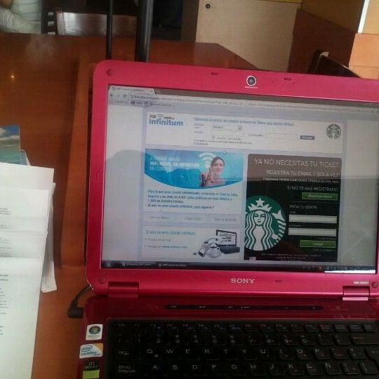 Photo taken at Starbucks by Fha C. on 5/12/2012