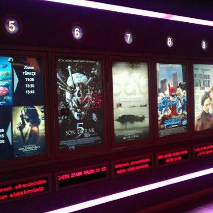 9/10/2011 tarihinde ⚓️Yılmaz⚓️ ⚓.ziyaretçi tarafından Spectrum Cineplex'de çekilen fotoğraf