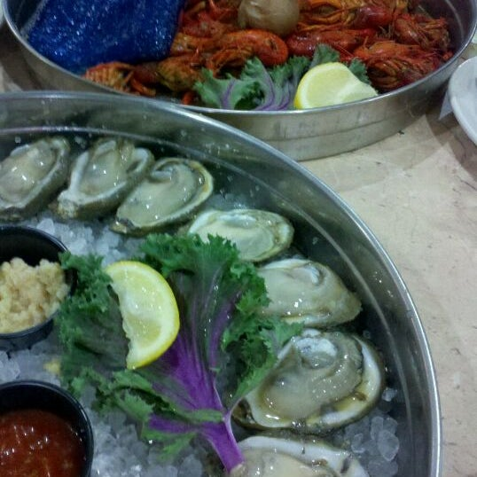 Photo taken at Deanie's Seafood by David W. on 3/17/2011