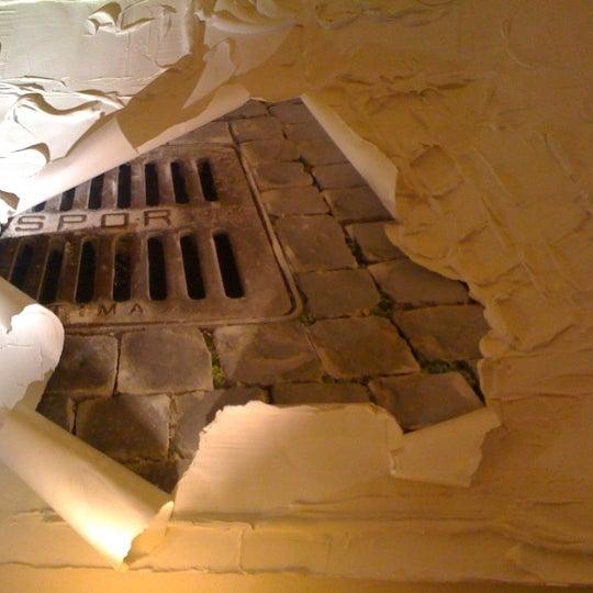 Foto scattata a Hotel Adriano da Florence E. il 2/24/2012