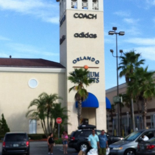 Photo taken at Orlando Vineland Premium Outlets by Angela on 8/23/2012