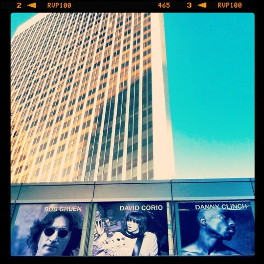 Foto tomada en Annenberg Space for Photography  por Mike B. el 8/5/2012