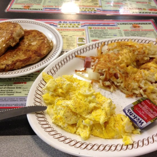 Photo taken at Waffle House by Jason F. on 3/13/2012