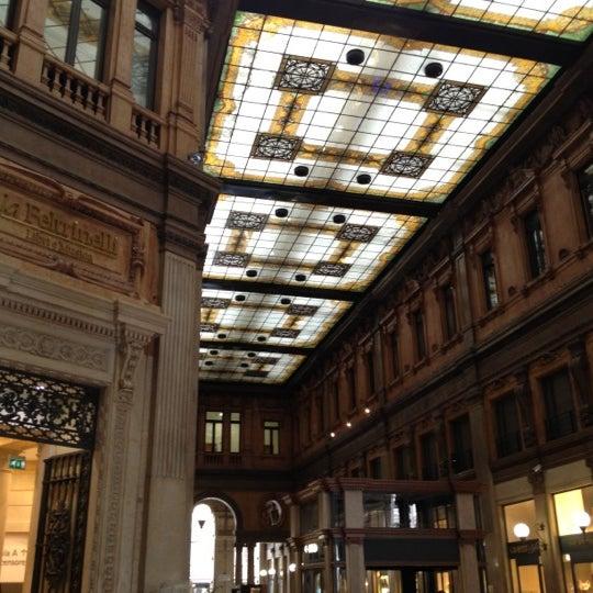 Foto scattata a Galleria Alberto Sordi da Denis B. il 4/5/2012