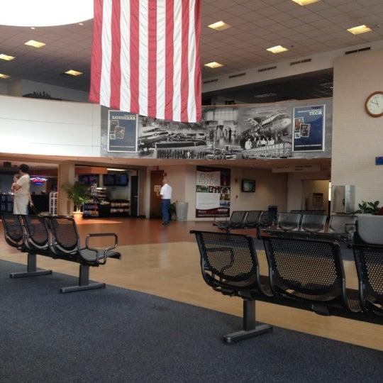 Photo taken at Shreveport Regional Airport (SHV) by Dens on 5/20/2012