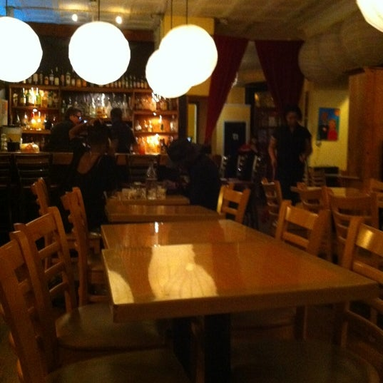 Photo taken at Peaches Restaurant by Melissa S. on 5/28/2012