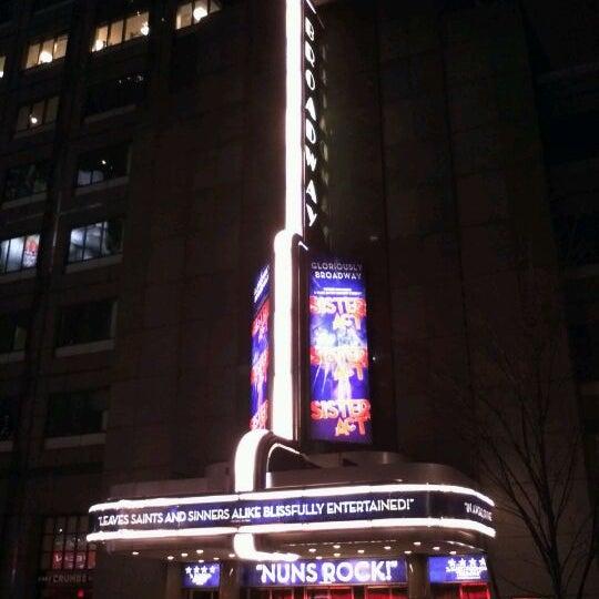12/20/2011に@24KがBroadway Theatreで撮った写真