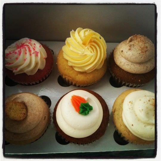 Photo taken at Sift Cupcake & Dessert Bar by Lindsey E. on 11/28/2011