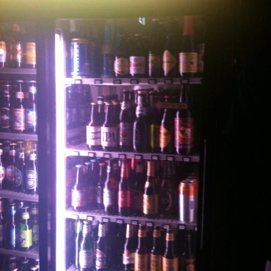 Photo taken at Peabody's Ale House by William T. on 7/29/2011