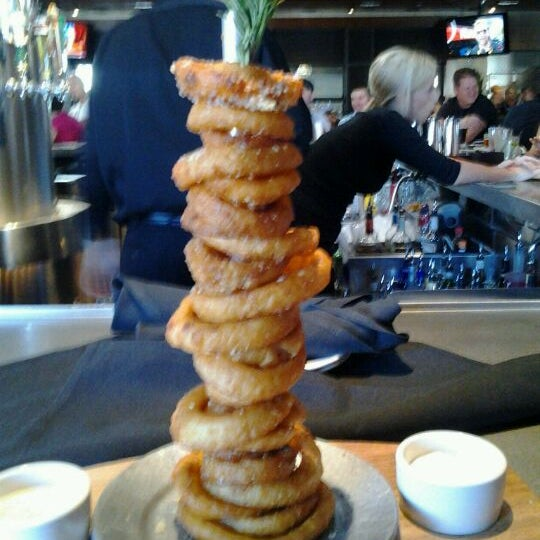 Photo taken at Yard House by Stephanie L. on 7/4/2011