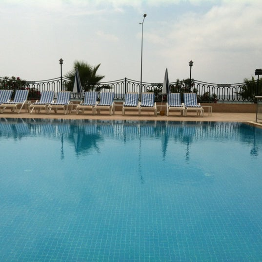 6/14/2012 tarihinde Ezgi u.ziyaretçi tarafından Harrington Park Resort Hotel'de çekilen fotoğraf