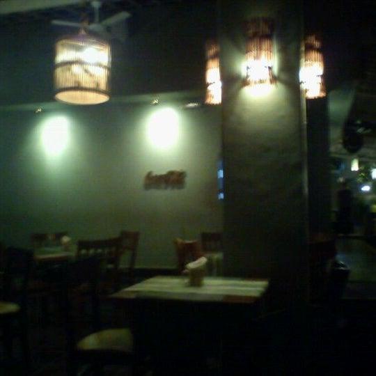 Photo taken at Bercy Village - Crepes e Saladas by Eduardo C. on 12/3/2011