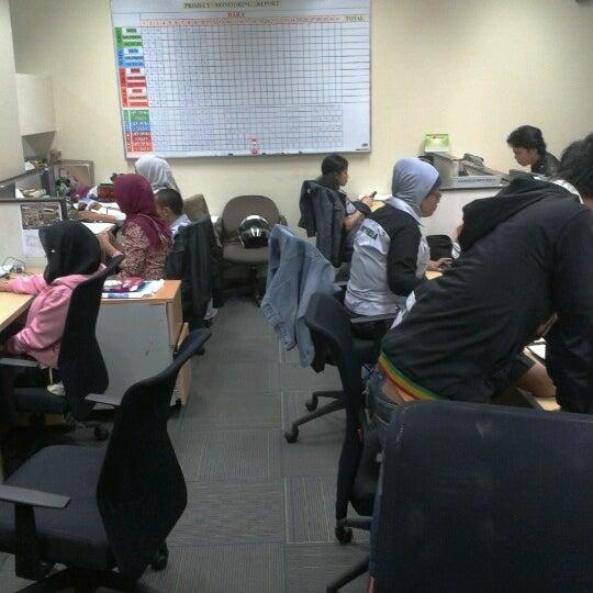 Photo taken at PT. Link Net Tbk. by Uutucherenz .. on 8/16/2012