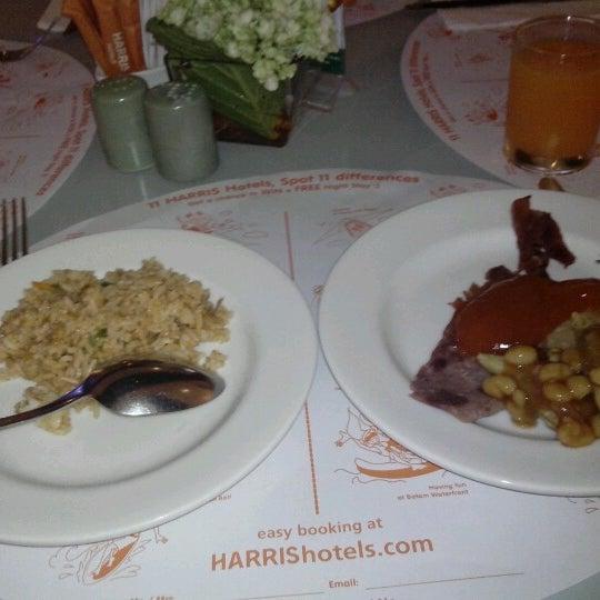 Photo taken at Harris Cafe by Yodi HCS H. on 8/28/2012