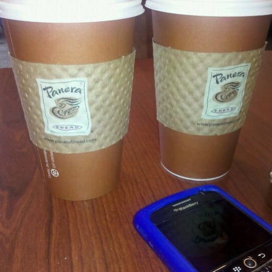 Photo taken at Panera Bread by Leslie T. on 5/1/2011