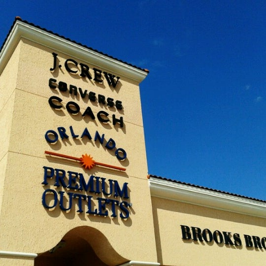 Photo taken at Orlando Vineland Premium Outlets by Claudia H. on 6/13/2012