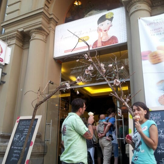 Photo taken at Gelarto Rosa by Massimiliano M. on 8/17/2012