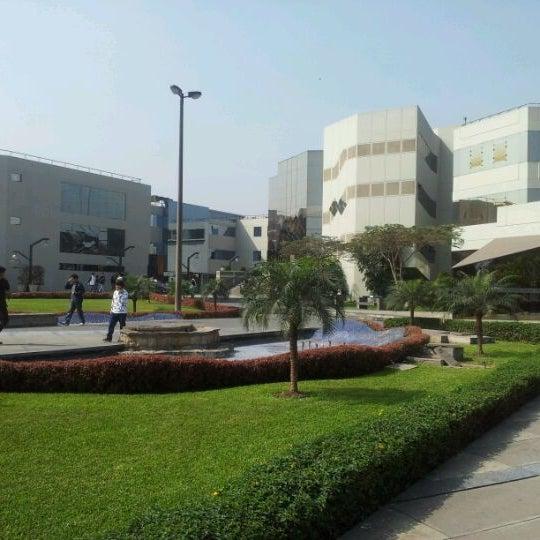 Facultad de ingenier a y arquitectura fia usmp la for Decano dela facultad de arquitectura