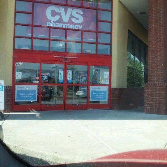 cvs pharmacy 657 e main st