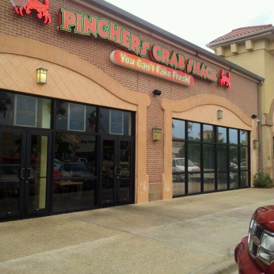 Pinchers crab shack seafood restaurant in fort myers for Fish restaurant fort myers