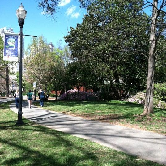 รูปภาพถ่ายที่ Piedmont Park โดย Amanda K. เมื่อ 3/24/2012