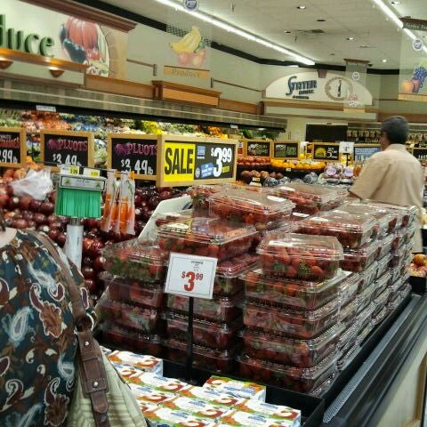 Photo taken at Stater Bros. Markets by Market-Solution D. on 6/6/2012