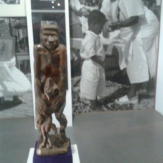 Foto tirada no(a) Museu Afrobrasil por Wagner B. em 7/24/2012