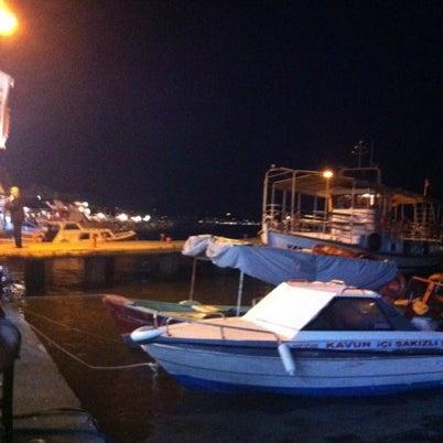 8/6/2012 tarihinde ....... ..ziyaretçi tarafından Cunda Deniz Restaurant'de çekilen fotoğraf