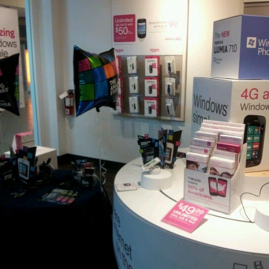 T-Mobile Tampa FL locations, hours, phone number, map and driving directions.