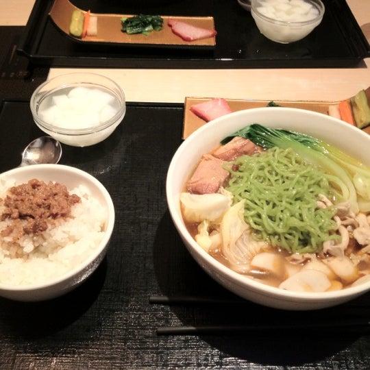 Photo taken at 天香回味 赤坂別館 by Masaru O. on 6/11/2012