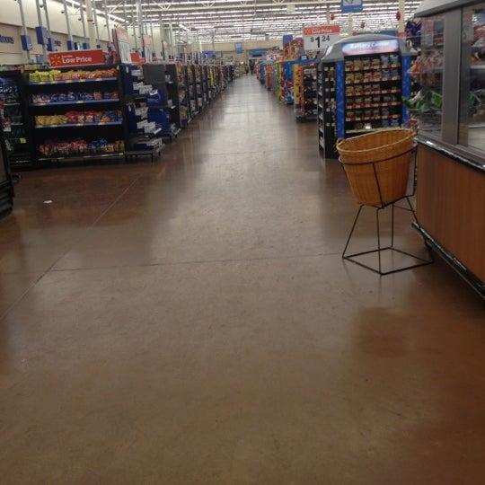 Снимок сделан в Walmart Supercenter пользователем Karen A. 1/22/2012
