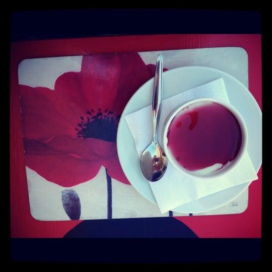 8/20/2012 tarihinde Pınar B.ziyaretçi tarafından Ada Cafe'de çekilen fotoğraf