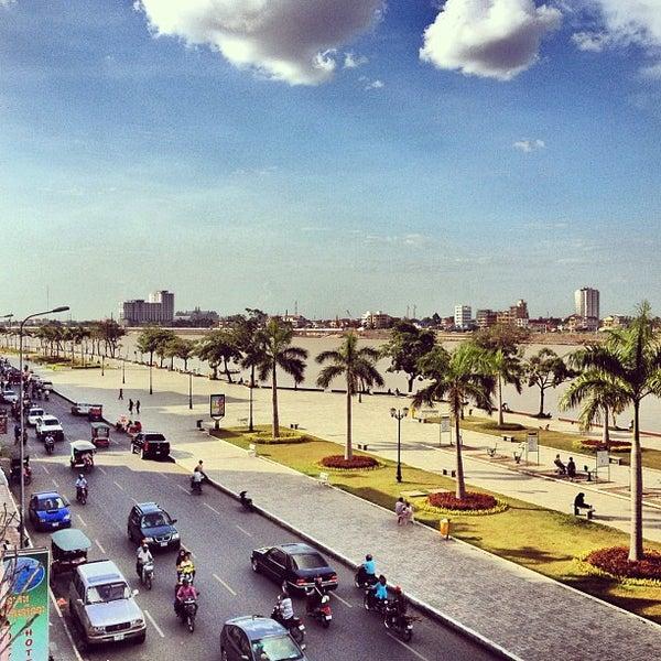 Photo taken at Amanjaya Pancam Suites Hotel by @enjayneer on 6/24/2012