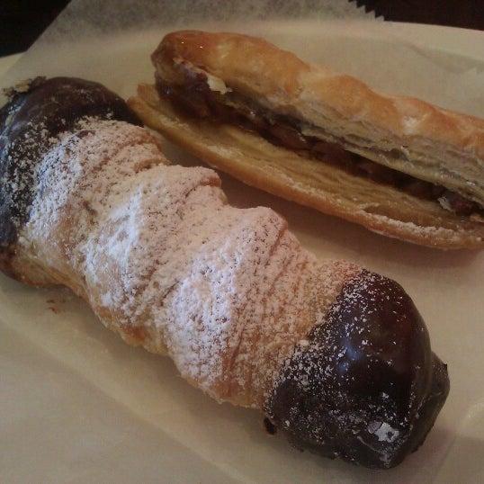 6/23/2012 tarihinde Barron F.ziyaretçi tarafından Argentina Bakery'de çekilen fotoğraf