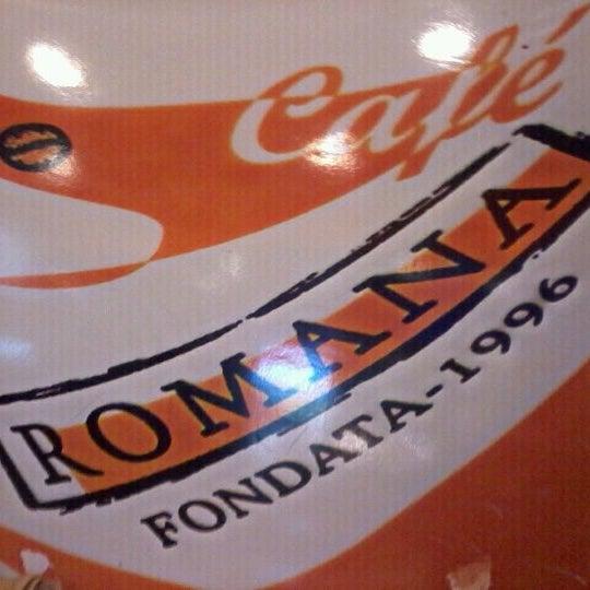 Photo taken at Confeitaria Romana by Jeziam R. on 7/21/2012