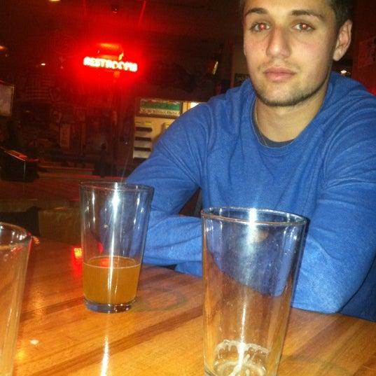 Photo taken at Applebee's Neighborhood Grill & Bar by Matthew M. on 5/3/2012