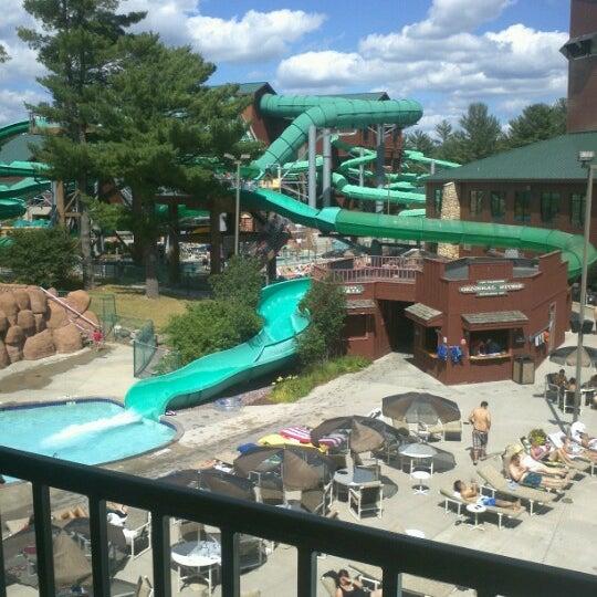 Wilderness hotel golf resort resort in wisconsin dells for Dells wilderness cabin
