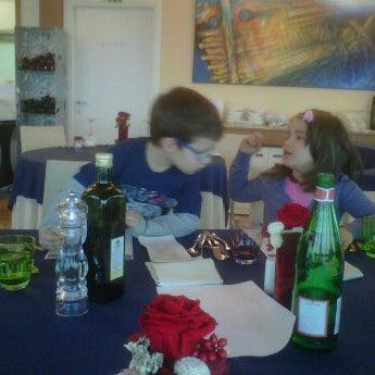 12/4/2011 tarihinde Roberto B.ziyaretçi tarafından Laguna Sky Restaurant'de çekilen fotoğraf