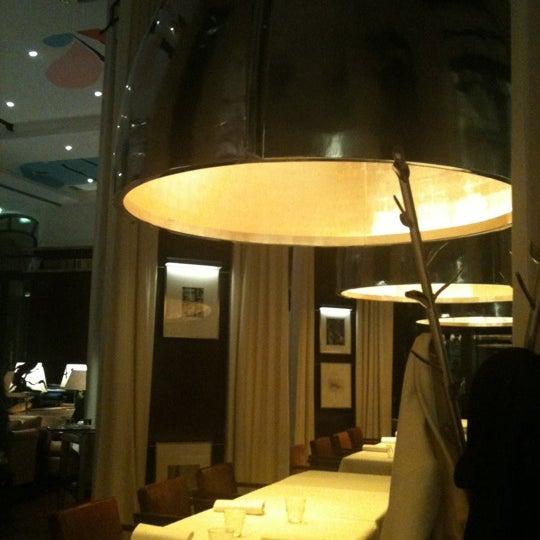 La cuisine le royal monceau french restaurant for Restaurant la cuisine royal monceau