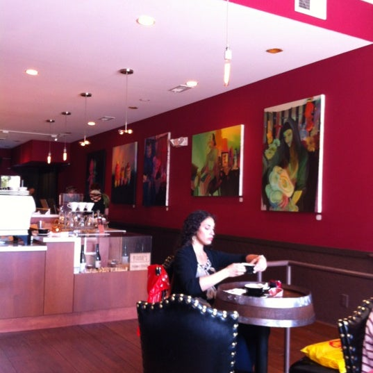 Photo taken at Stanza Coffee Bar by Gabor V. on 6/27/2012