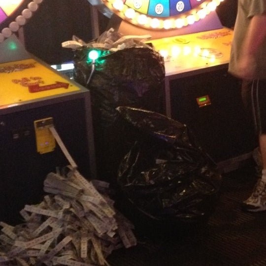 Photo taken at Dave & Buster's by Rashawn G. on 5/9/2012