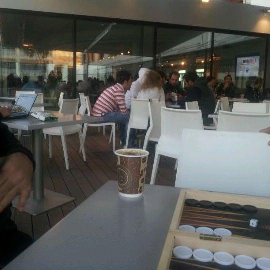 รูปภาพถ่ายที่ European University Cyprus โดย Fotini T. เมื่อ 11/4/2011