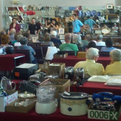 Photo taken at McGee Auction Gallery by reid m. on 8/18/2011